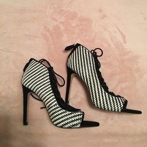ZARA black and white heel shoes
